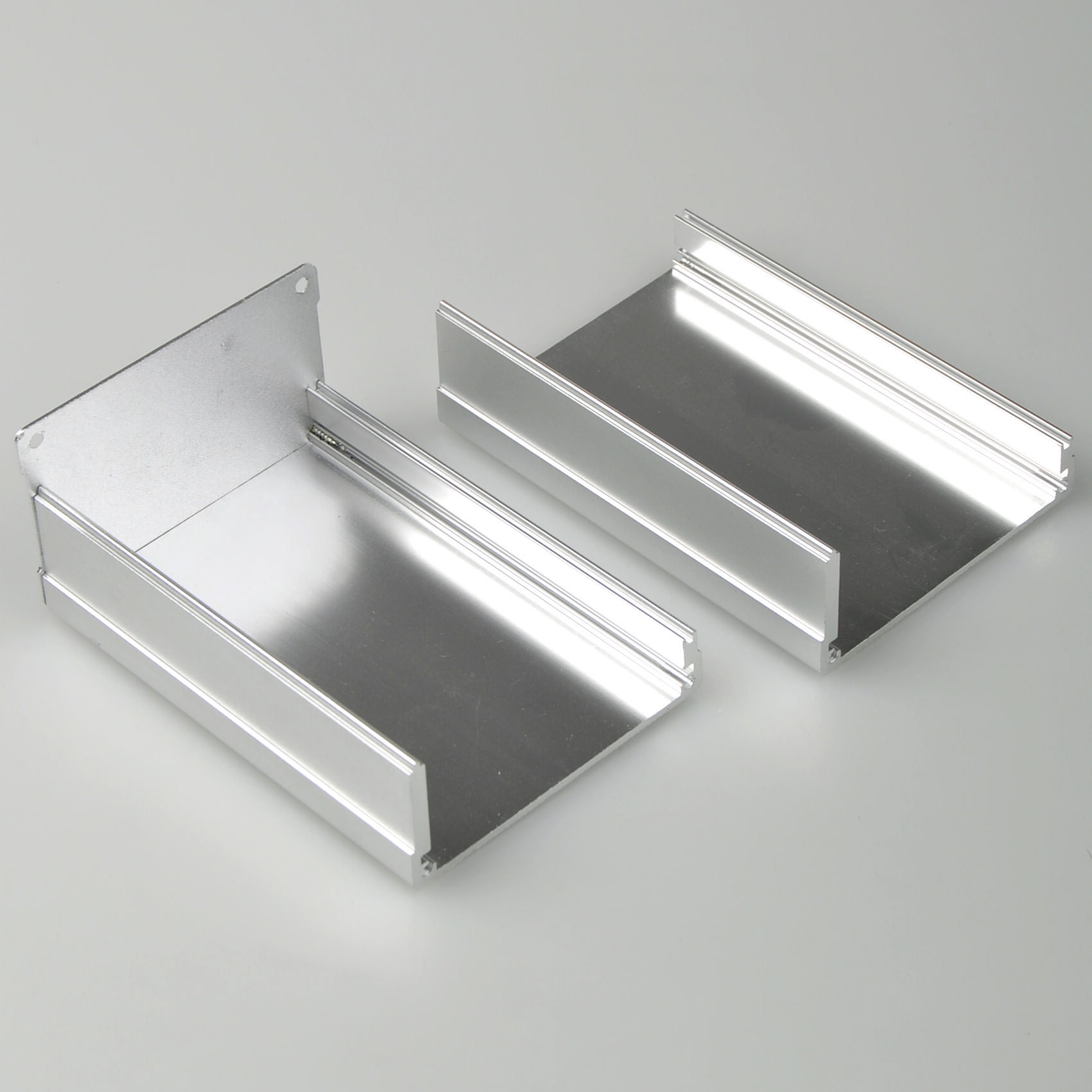 aluminum project enclosure Protocase custom builds extruded aluminum enclosures from your design in 2-3 days protocase's approach saves time and money and yields better results than can be.